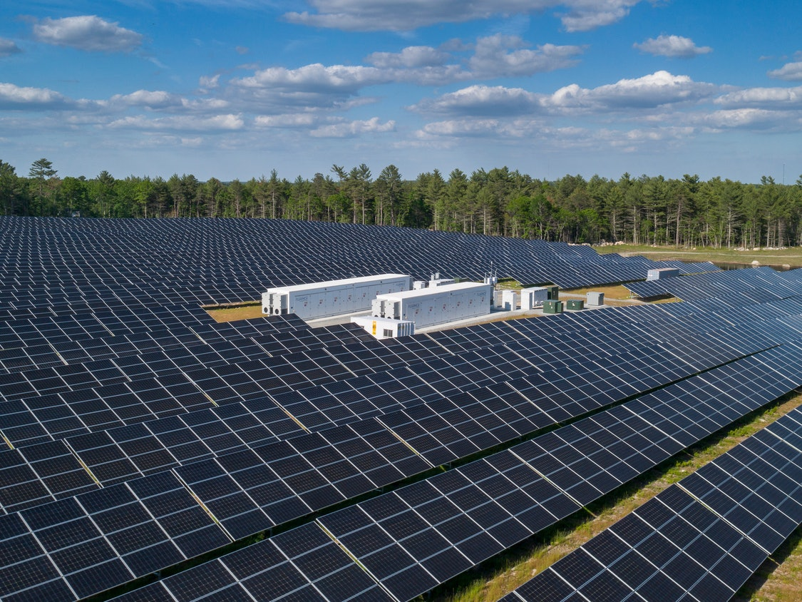 Enterprise-scale energy storage installation with solar panels
